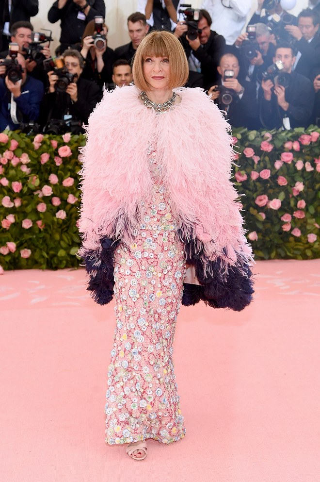 Anna Wintour arrives at the Met Gala 2019 [Credit: Vogue]