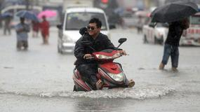 Ulewne deszcze w Pekinie. Ogłoszono alarm przeciwpowodziowy