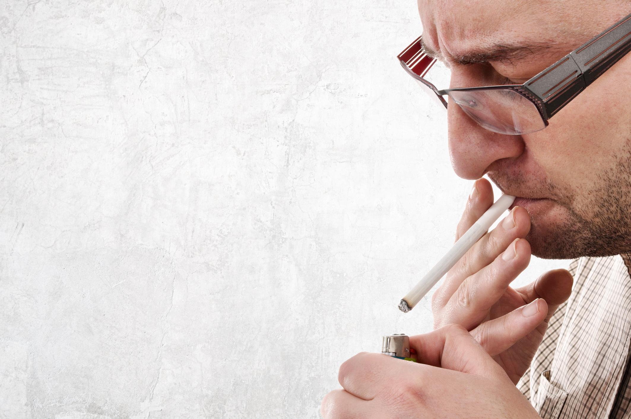 dohányzás ellenőrzése Ausztriában)