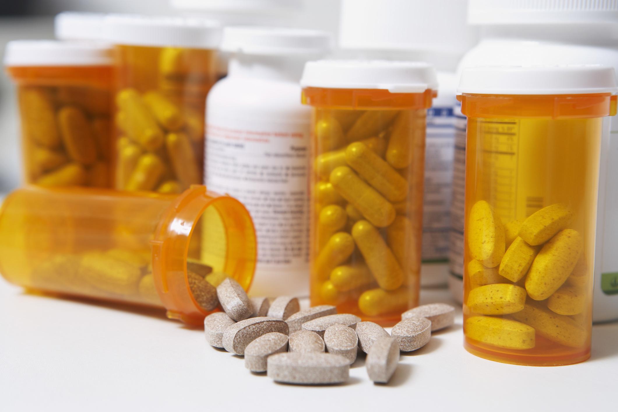 Gyertyák a prosztatitisből a legjobb antibiotikumlistával