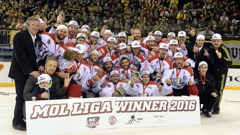 Megvédték bajnoki címűket a jegesmedvék /Fotó: MTI