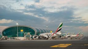 Wolontariusze testują nową halę lotniska w Dubaju