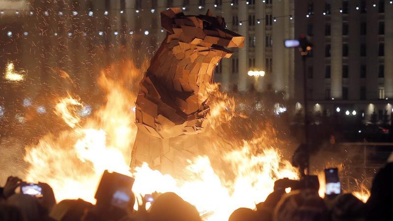 Magyar művész alkotása a moszkvai tavaszünnepen / Fotó: MTI