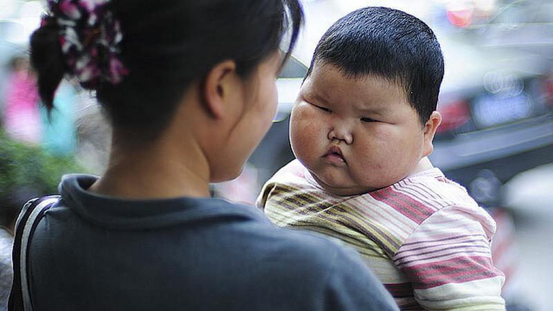 Másfél éves és 21 kilós az óriási kínai baba