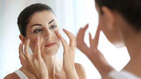 Pierwsze oznaki starzenia skóry. Na co zwracać uwagę i jak im skutecznie zapobiegać?