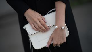 Must have: dodatki w stylu Coco Chanel