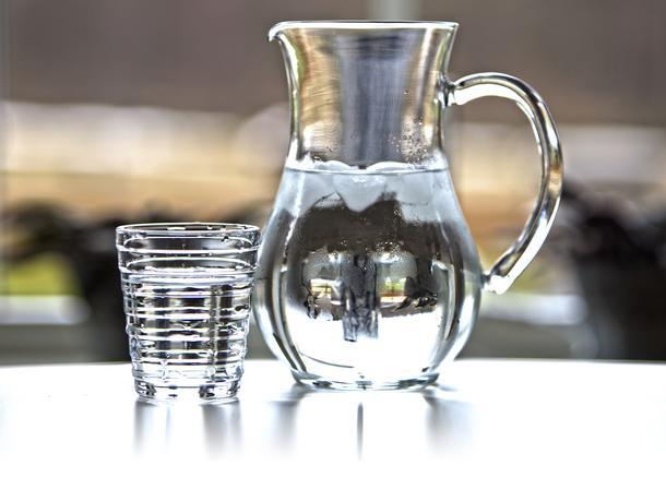 Cała prawda o wodzie alkalicznej