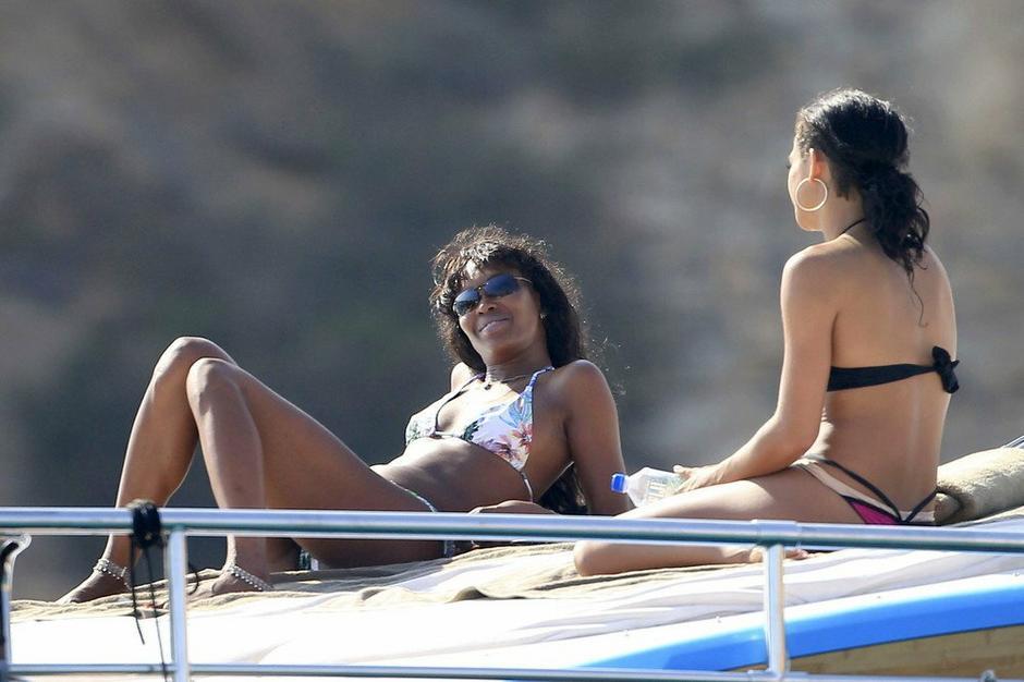 Naomi Campbell na wakacjach / EAST NEWS