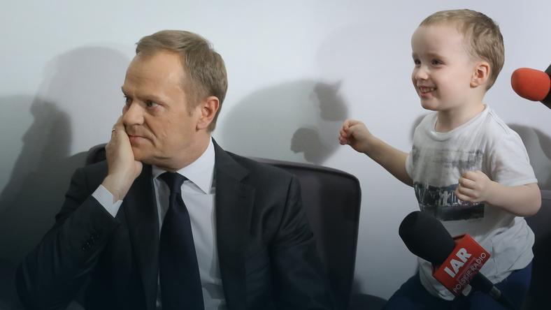 Donald Tusk podcz spotkania z rodzicami niepełnosprawnych dzieci