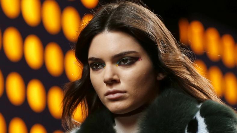Kendall Jennert a legnagyobb tervezők öltöztetik, mégis becsúszott a baki / Fotó: Northfoto