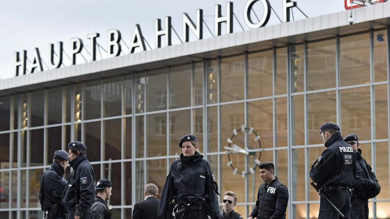 Folyamatos a fokozott rendőri jelenlét Kölnben /Fotó: AFP