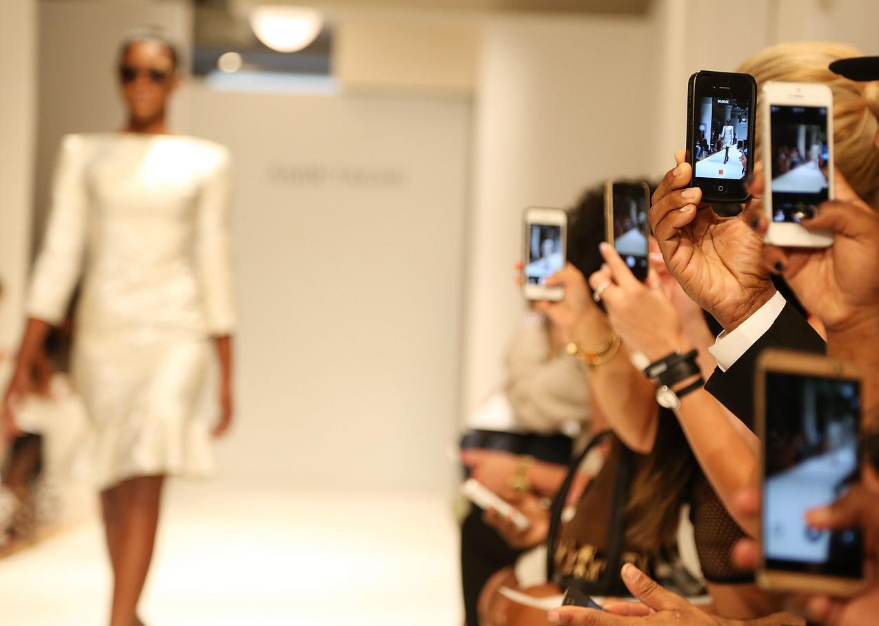 Jak smarfony zmieniły branżę mody?