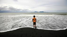 Modlitwy i łzy na obchodach 10. rocznicy tsunami
