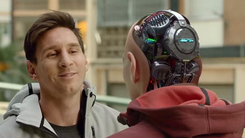 Messi és robot Messi találkozása egy reklámban / Fotó: youtube