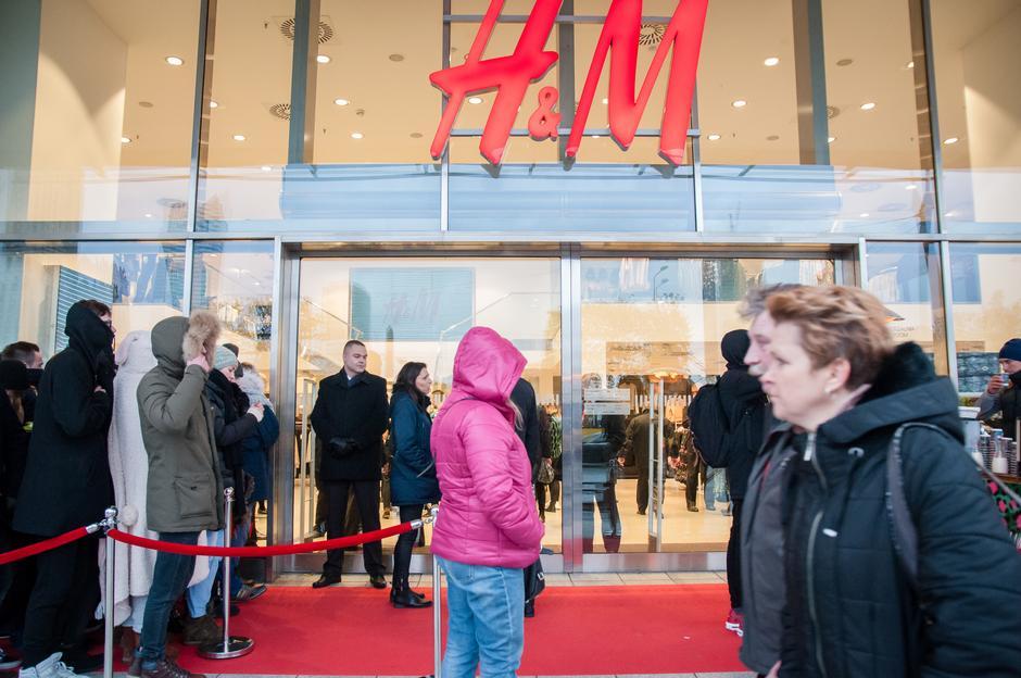 Kolejka po ubrania Kenzo dla H&M