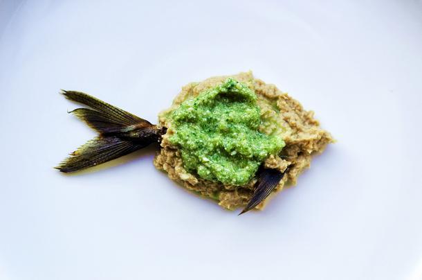 Pasta z wędzonej makreli z pesto ze świeżego ogórka