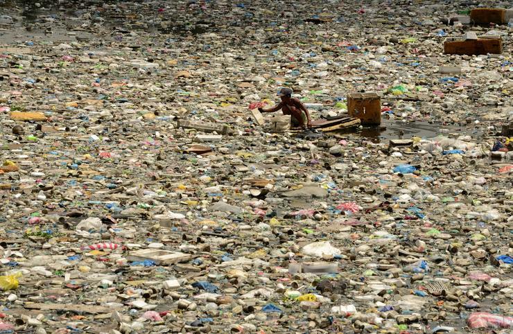 Hajdanán itt víz volt és élet, most szemét / Fotó: MTI
