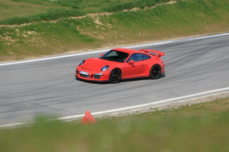 porsche 911 gt3 do bicia rekord w na torze test opinie dane techniczne auto wiat. Black Bedroom Furniture Sets. Home Design Ideas