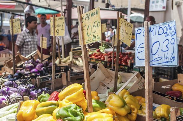 Dietetyczne last minute, czyli jak jeść zdrowo na wakacjach