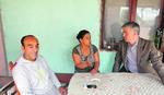 PROTIV DISKRIMINACIJE Poslanik podržao porodicu zaraženu HIV-om kojoj sugrađani prete
