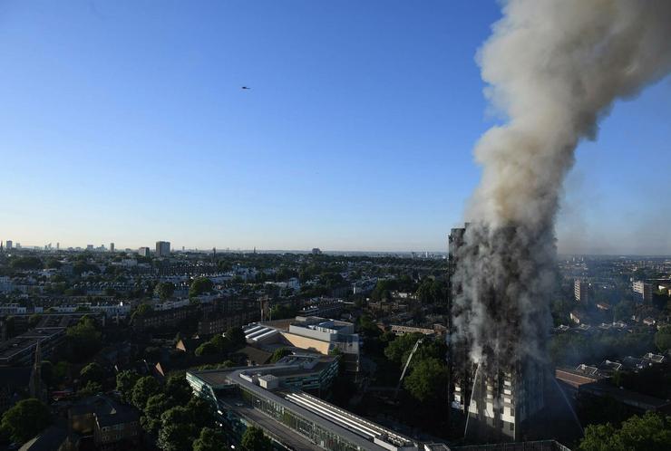 Tűzvész londonban / Fotó: MTI
