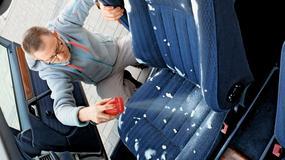 Jak uprać wnętrze auta i usunąć z niego zapachy?
