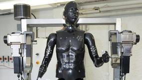 Brytyjski robot testuje kombinezony chemiczne