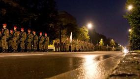 Nocne próby przed defiladą z okazji Święta Wojska Polskiego