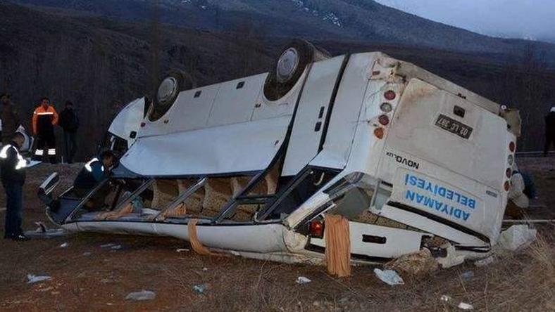 A busz nagyon összetört /Fotó: Twitter