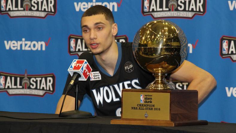 Zach Lavine a trófeával: tavaly és idén is ő nyert /Fotó: AFP