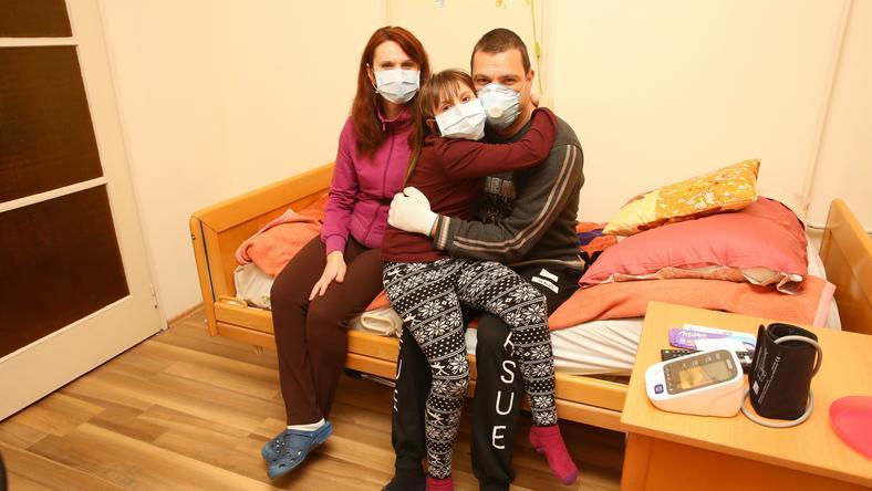 István feleségével és gyerekével egyelőre albérletben lakik, a gyerekszobát alakították át / Fotó: Pozsonyi Zita