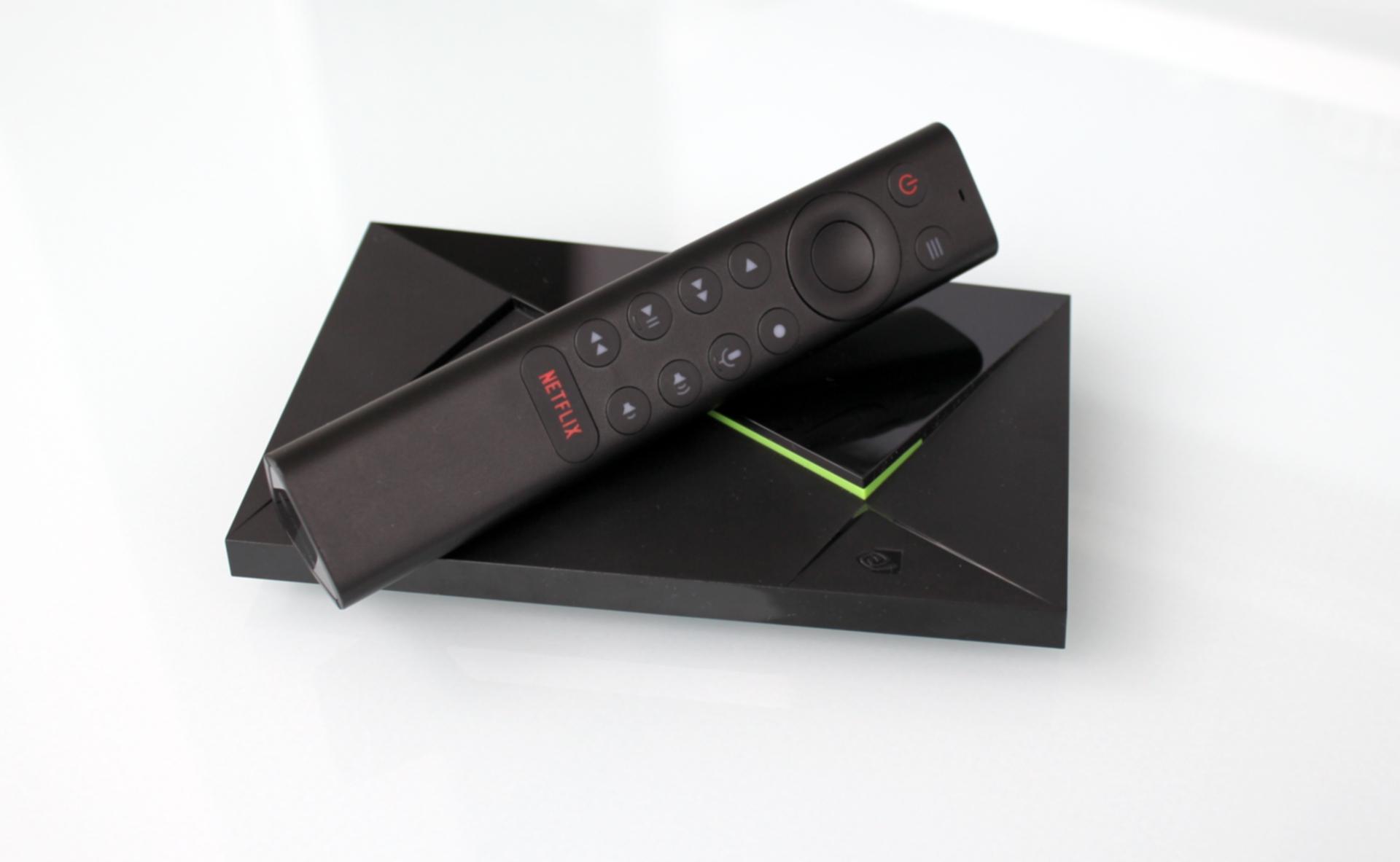 Nvidia Shield TV Pro plnohodnotne hernú konzolu nenahradí. Ako multimediálne zariadenie k televízoru je ale skvelá.