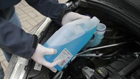 Gdzie jest najtańszy zimowy płyn do spryskiwaczy? Sprawdzamy oferty sklepów oraz stacji benzynowych