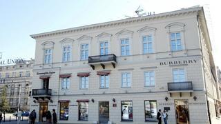 Burberry wycofuje sklepy z Polski