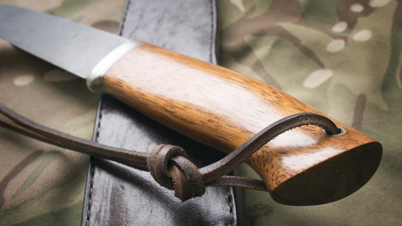 Késsel támadt a rendőrökre /Fotó: Northfoto - Illusztráció