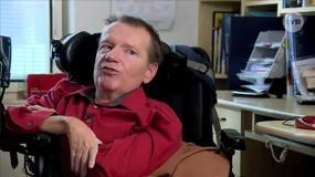 """""""Otwieram ich na dotyk, objęcia, całowanie."""" Asystentki seksualne dla niepełnosprawnych w Czechach"""