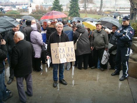 Od danas protesti pred Gradskom kućom svakog dana
