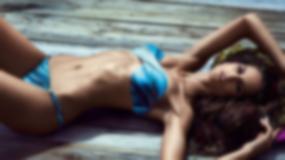 Izabel Goulart w strojach kąpielowych - czy ona nie jest za chuda?