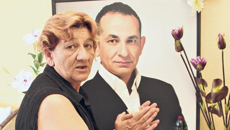 Ica mama bárhova költözik, magával viszi fia portréját /Fotó: Scherer Zsuzsa