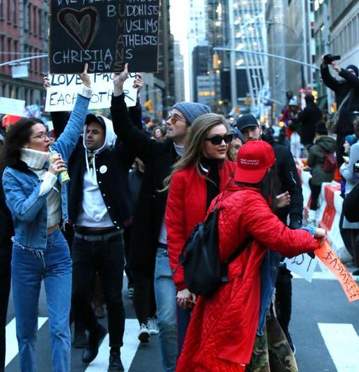 Gigi i Bella Hadid protestują przeciwko polityce Donalda Trumpa