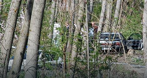 Automobil kojim su devojke došle u šumu