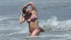 Hilary Duff odsłania ciało w bikini