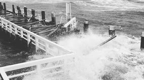 Potężny sztorm na Bałtyku. Fale uszkodziły molo w Sopocie