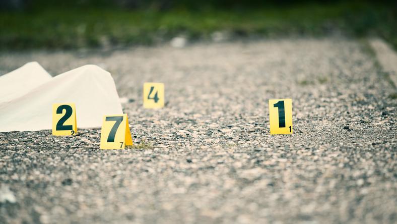 A hivatal udvarán találtak a holttestre / Fotó: Shutterstock