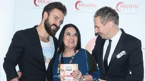 Katarzyna Sowińska, Ilona Felicjańska i Piotr Stramowski z mamą na premierze książki Krzysztofa Gojdzia