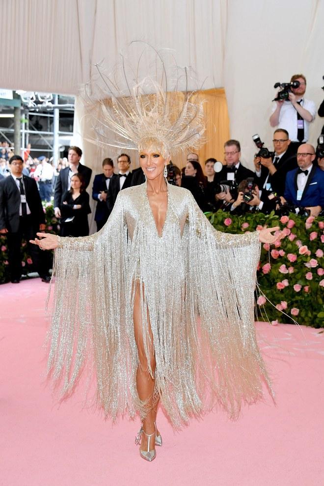 Celine Dion arrives at the Met Gala 2019 [Credit: Vogue]