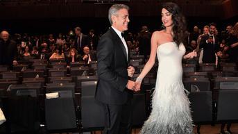 Ciężarna Amal Clooney zachwyca