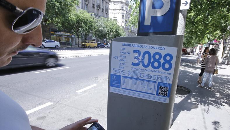 Ma már inkább telefonnal parkolunk, a Centrum idejében aprót dobáltunk az automatába / Fotó: Fuszek Gábor