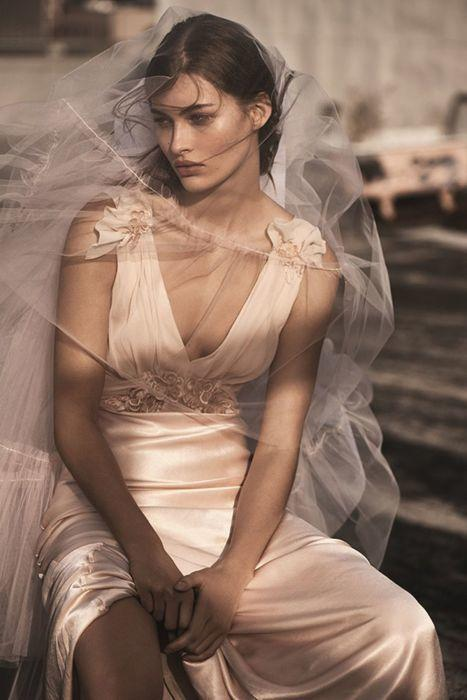 Topshop wprowadza kolekcję sukien ślubnych