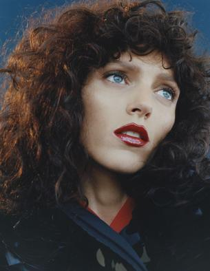 """Odmieniona Anja Rubik w sesji dla Vogue Paris"""""""